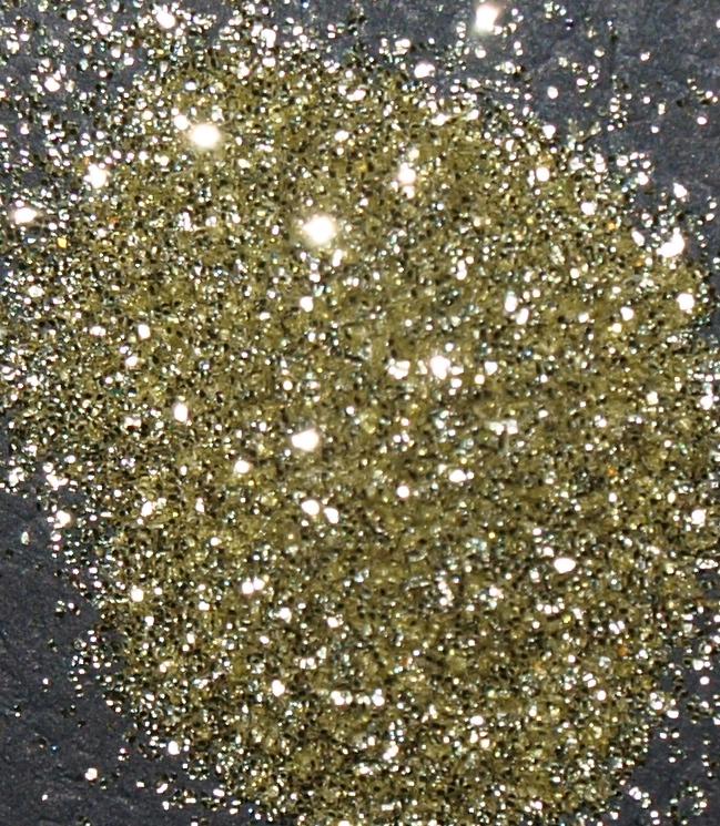 Prach body&nails zlatý MINI kelímek